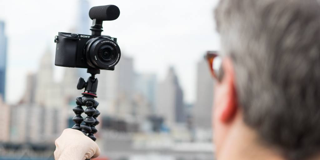 Simple Gadgets for Novice Vloggers – A Guide to Buying Fascinating Gadgets